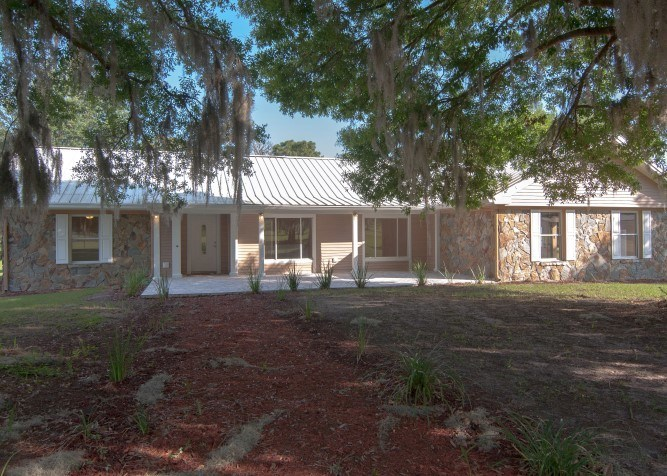 2224 Hendry Road Home with Acreage in Lithia, FL