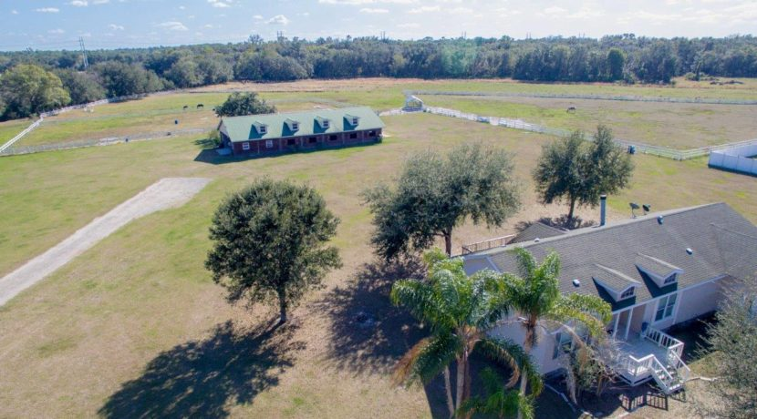 01-55 Acre Equestrian Estate