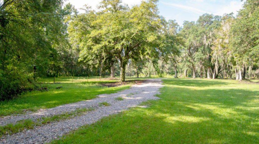 01-Secluded Old FL Getaway Estate