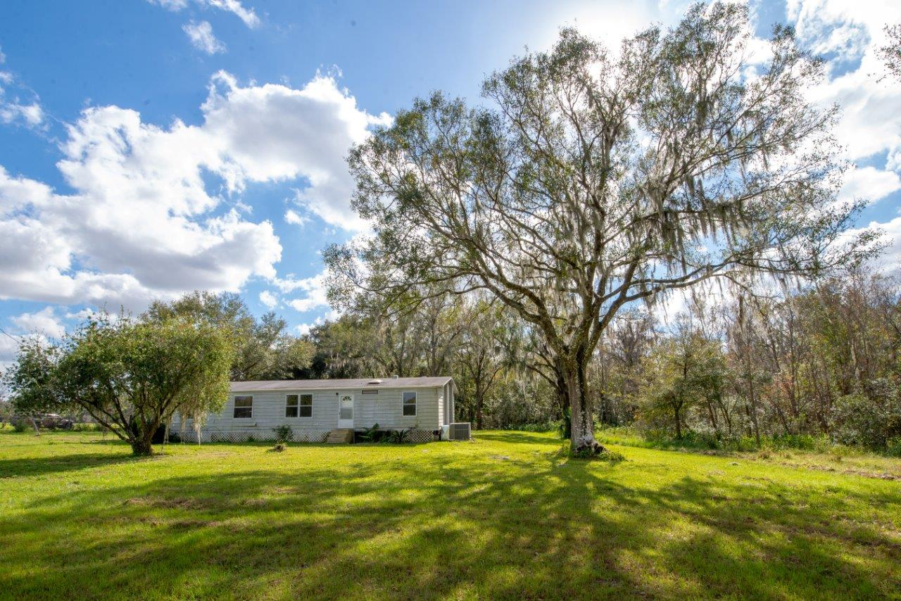 CR 672 Mobile Home on 10 +/-  Acres in Lithia, FL