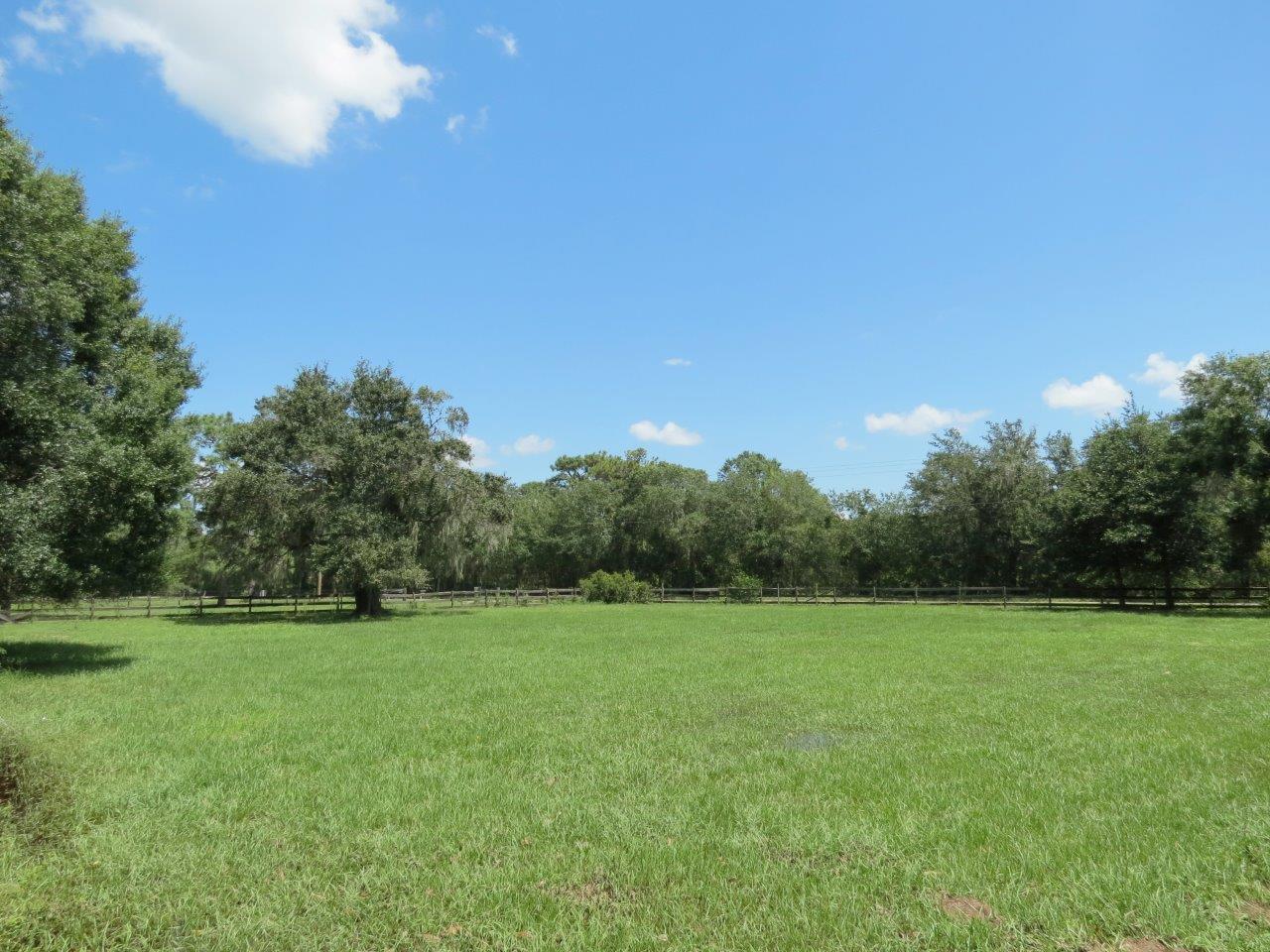 Lithia Ranchette 7.5 +/- Acre Homesite in Lithia, FL